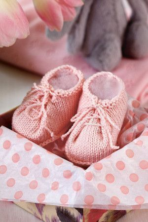 Baby Booties Knitting Pattern - The Knitting Network