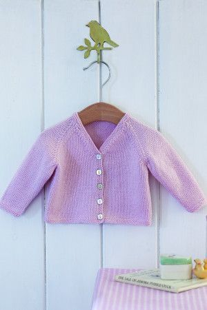 V-neck cardigan for babies with five buttons