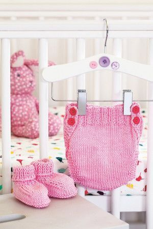 Baby Pink Pants And Bootees Knitting Pattern
