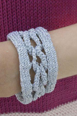 Metallic knitted chain bracelet
