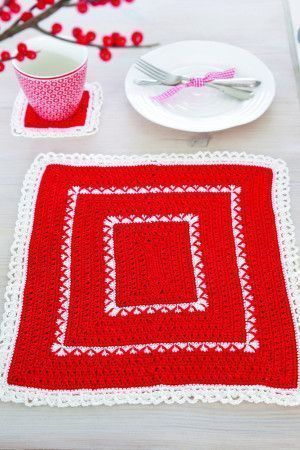 Festive crochet coaster and tablemat set
