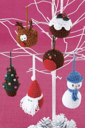 6 crocheted Christmas decorations - reindeer, tree, robin, pudding, snowman and Santa