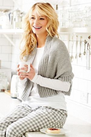 Cropped knitted shrug for women