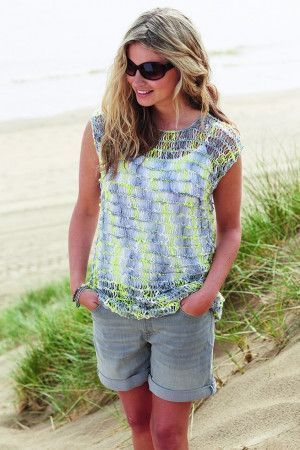 Knitted women's summer top with short sleeves
