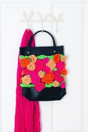 Bright crocheted flowers to decorate a bag