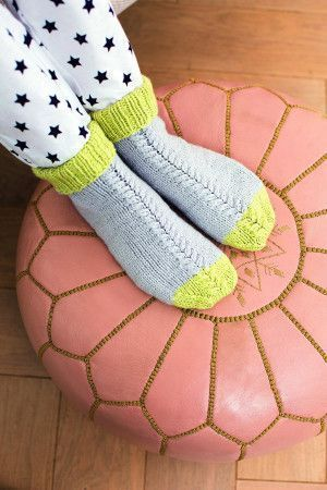 Women's cable knit socks