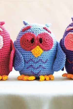 Quirky crocheted owl to make in as many colours as you like