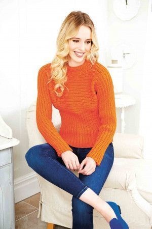 Ladies' ribbed knitted jumper in bright orange