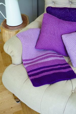 Ombre purple knitted blanket and cushion cover set