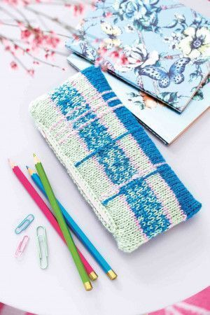 Tartan knitted pencil case