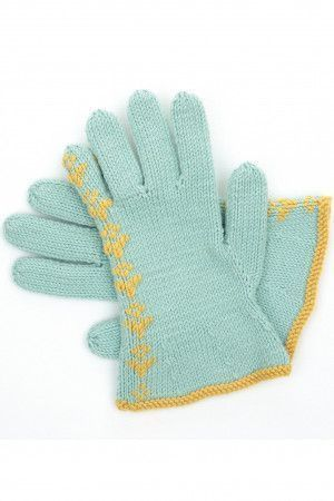 Knitted gloves from vintage pattern with detailing from cuff to little fingertip