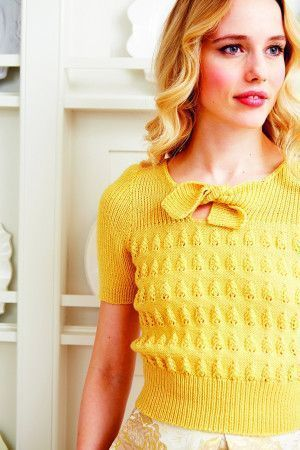 Vintage ladies' knitted T-shirt from 1940