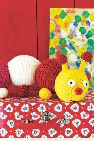 Caterpillar toy to crochet for children