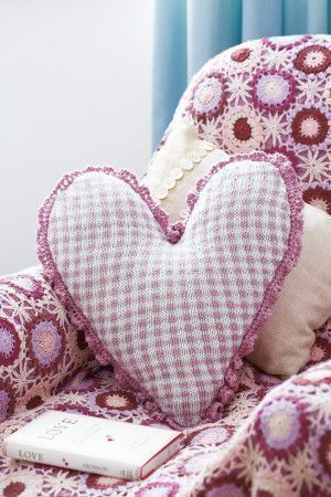 Checked Heart Cushion Cover Knitting Pattern - The Knitting Network