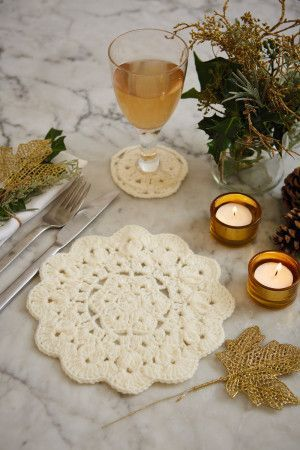 Snowflake Table Setting