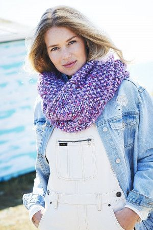 Accessories in New Swift Knit Super Chunky (9725)