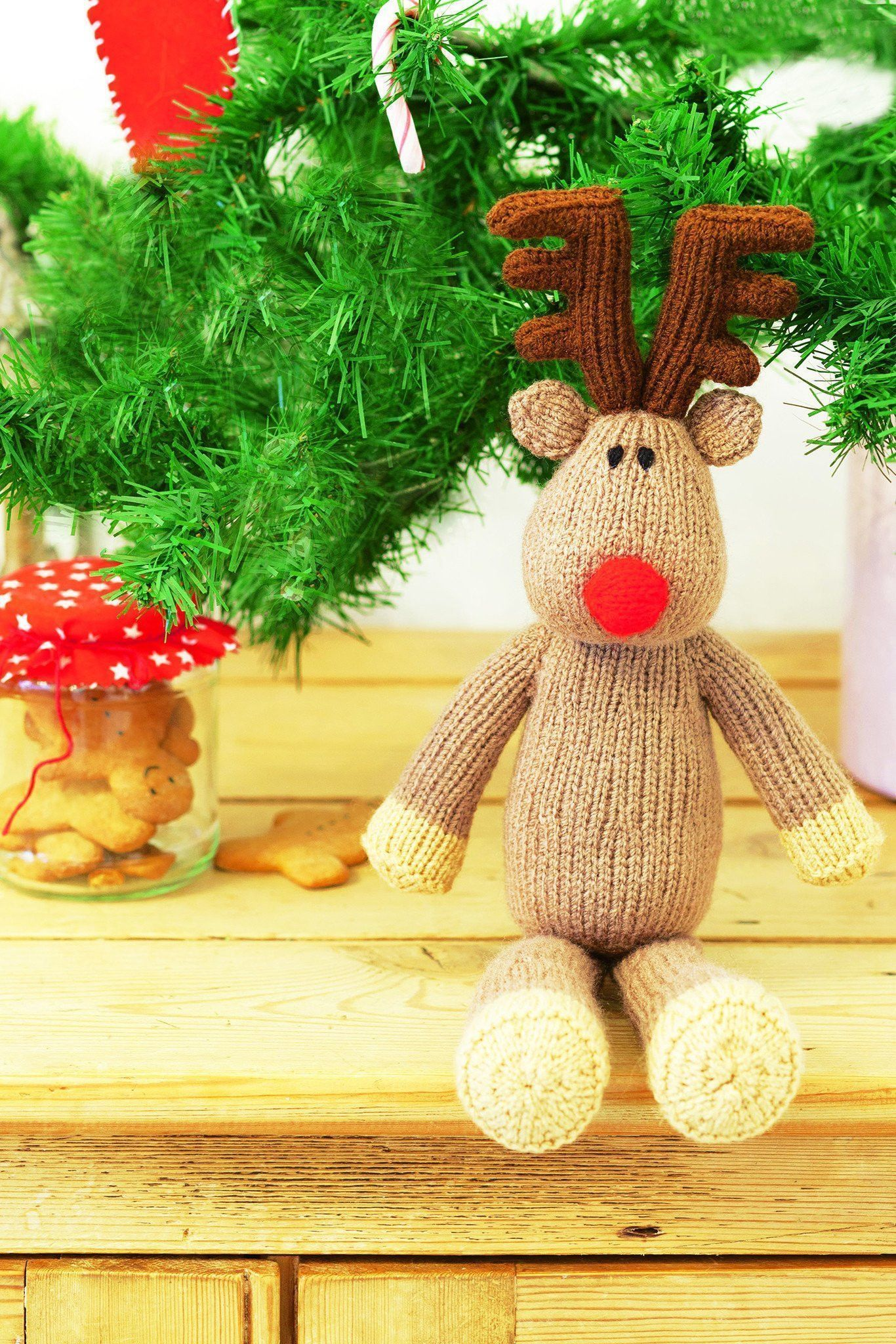 Christmas Reindeer Toy Knitting Pattern | The Knitting Network