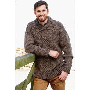 Long and chunky knitted aran jumper for a man with cable stitch