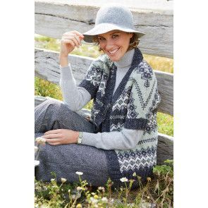 Knitted short-sleeve Fair Isle ladies' jacket cardigan with bold design and plain edge