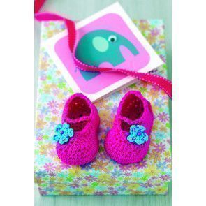 Pink crocheted shoes with flower motif