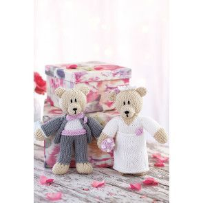 Mr and Mrs bear knitted wedding toys