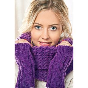 Cowl and Mittens in Cygnet Chunky (CY1068)
