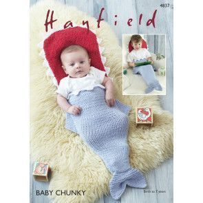 Sleeping Bag in Hayfield Baby Chunky and Snuggly Snowflake Chunky (4837)