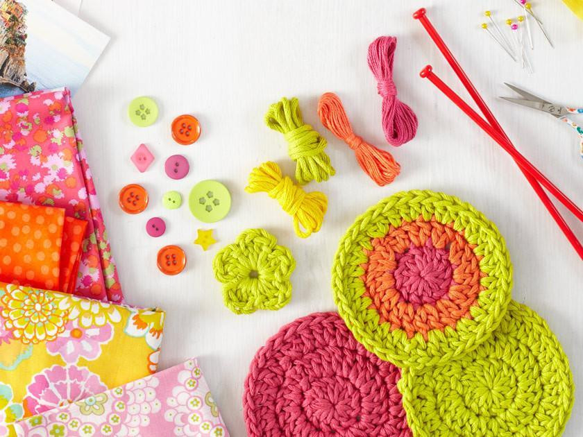 How to crochet: Adding buttons