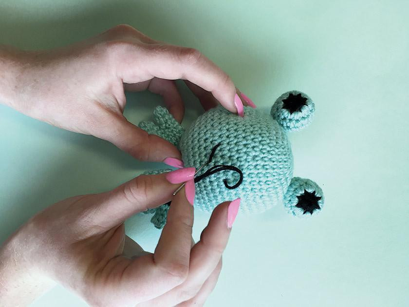 Best Amigurumi Tips and Tricks for Doll Faces | Crochet eyes ... | 630x840
