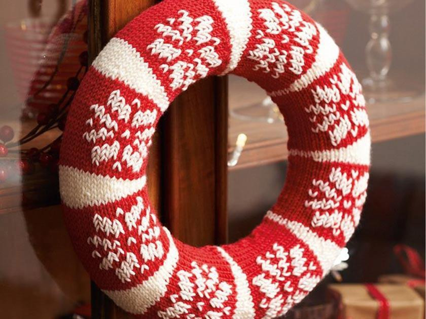 Make a Christmas wreath to hang at home this year
