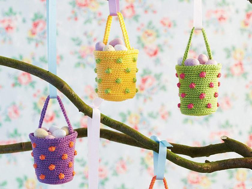 Easter: Egg, bunny and other makes to knit and crochet
