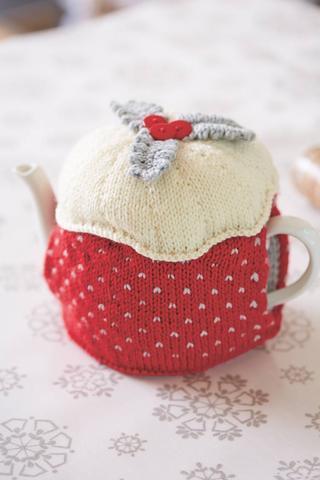 Christmas pudding tea cosy knitting pattern