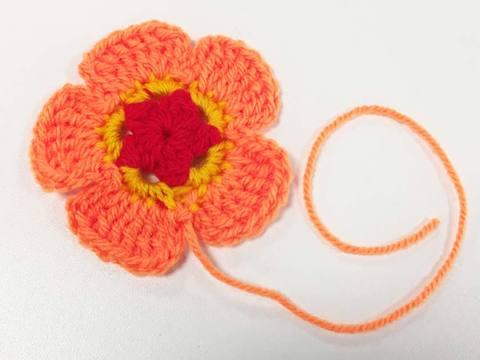 crochet helleborus flower